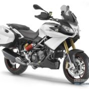 Aprilia-Caponord-1200-2013-photo