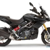 Aprilia-Caponord-1200-2016-photo