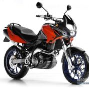 Aprilia-Pegaso-650-Factory-2010-photo