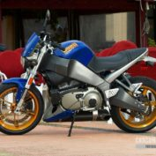 Buell-Lightning-XB12S-2005-photo