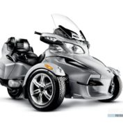 Can-Am-Spyder-Roadster-RS-2011-photo