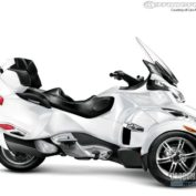 Can-Am-Spyder-Roadster-RT-2011-photo