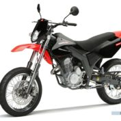 Derbi-125-SM-Baja-2007-photo