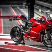 Ducati-1199-Panigale-R-2013-photo