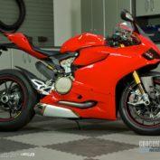 Ducati-1199-Panigale-S-2012-photo