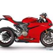 Ducati-1299-Panigale-S-2015-photo