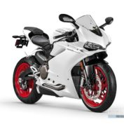 Ducati-959-Panigale-2016-photo