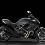 Ducati-Diavel-Dark-2013-photo
