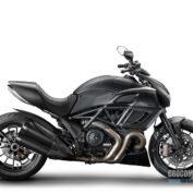 Ducati-Diavel-Dark-2014-photo