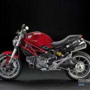 Ducati-Monster-1100-2010-photo