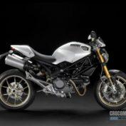 Ducati-Monster-1100S-2009-photo