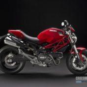 Ducati-Monster-696-2010-photo