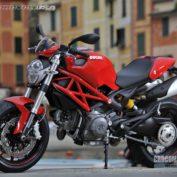 Ducati-Monster-796-2011-photo
