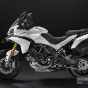 Ducati-Multistrada-1200-S-2010-photo