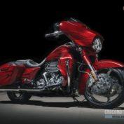 Harley-Davidson-CVO-Street-Glide-2016-photo