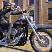 Harley-Davidson-Dyna-Street-Bob-2017-photo