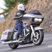 Harley-Davidson-Road-Glide-Special-2017-photo