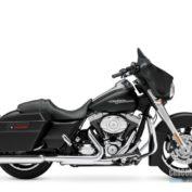 Harley-Davidson-Street-Glide-2013-photo