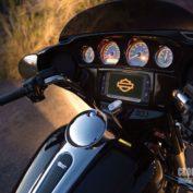 Harley-Davidson-Street-Glide-Special-2014-photo