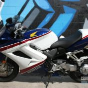 Honda-VFR-800-Interceptor-2007-photo