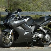 Honda-VFR-800-Interceptor-2008-photo