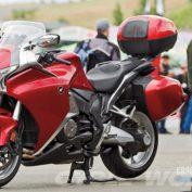 Honda-VFR1200F-DCT-2013-photo