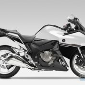 Honda-VFR1200F-DCT-2015-photo