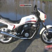 Honda-VT-500-E-reduced-effect-1984-photo