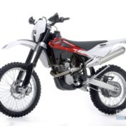 Husqvarna-TE250-2012-photo