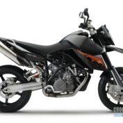 KTM-990-Supermoto-2009-photo