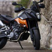 KTM-990-Supermoto-T-2010-photo