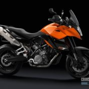 KTM-990-Supermoto-T-2012-photo