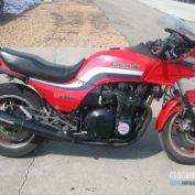Kawasaki-GPZ-1100-1983-photo