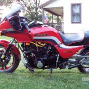 Kawasaki-GPZ-1100-reduced-effect-1983-photo