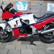 Kawasaki-GPZ-600-R-1986-photo