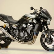 Kawasaki-ZRX1200-DAEG-2014-photo