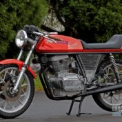 MV-Agusta-350-S-1975-photo