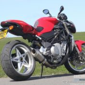 MV-Agusta-Brutale-750S-2008-photo