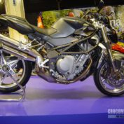MV-Agusta-Brutale-910-Serie-Oro-2009-photo