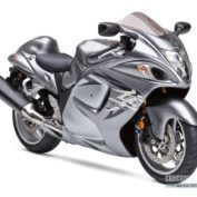 Suzuki-GSX1300R-Hayabusa-2009-photo