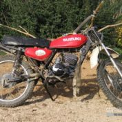 Suzuki-TS-125-1976-photo