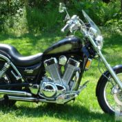 Suzuki-VS-1400-Intruder-1990-photo