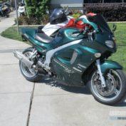 Triumph-Sprint-ST-2001-photo