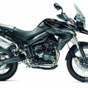 Triumph-Tiger-800-XC-2013-photo