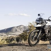 Triumph-Tiger-800-XC-2016-photo