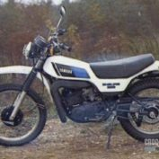 Yamaha-DT-250-MX-1982-photo