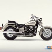 Yamaha-Drag-Star-Four-2002-photo