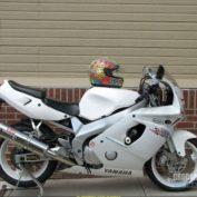 Yamaha-FZR-600-R-1995-photo