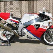Yamaha-FZR-750-R-reduced-effect-1990-photo
