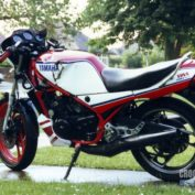 Yamaha-RD350B-1983-photo